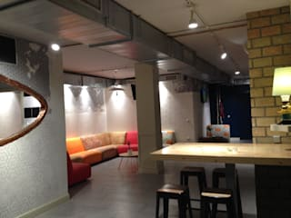 酒吧&夜店 by PEDINI MADRID · La Credenza estudio, 現代風