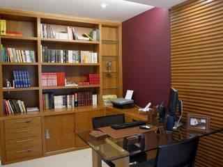 Casa Beringela: Escritórios  por Emmilia Cardoso Designers Associados,