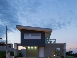 Nhà theo JAA Arquitetos, Hiện đại