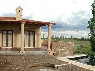 Śródziemnomorski balkon, taras i weranda od Azcona Vega Arquitectos Śródziemnomorski