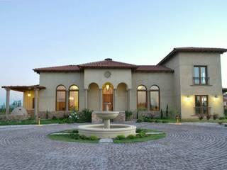 Azcona Vega Arquitectos Casas de estilo mediterráneo Beige