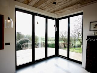 Eastington Lane Modern windows & doors by IQ Glass UK Modern