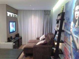 Sala de Estar: Salas de estar  por Claudia Naressi - Arquitetura e Interiores