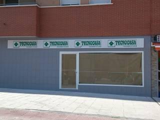 PROYECTO DE ACTIVIDAD CON OBRA Oficinas y tiendas de estilo moderno de EFICORE Moderno