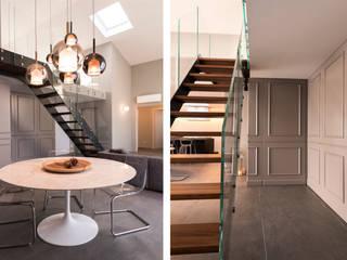 art collector loft Sala da pranzo minimalista di studiooxi Minimalista