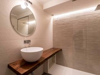 studiooxi Minimalist style bathroom