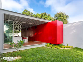 Grupo Arquidecture Industrial style houses Wood Red