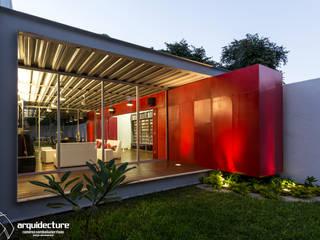 CANCELES CERRADOS – CAJA ABIERTA : Casas de estilo  por Grupo Arquidecture