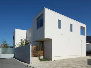 Terrace House: Atelier Squareが手掛けた家です。,モダン
