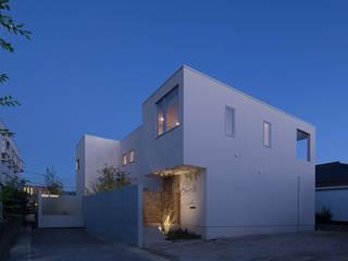 Terrace House モダンな 家 の Atelier Square モダン