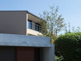 高台の家: Atelier Squareが手掛けた家です。,モダン
