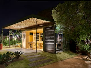 CASULO Modern style balcony, porch & terrace by MEIUS ARQUITETURA Modern