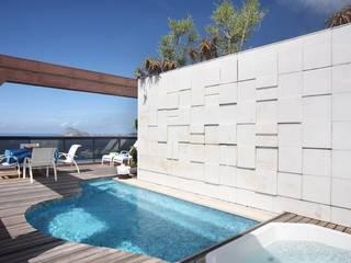 Cobertura Arpoador Piscinas modernas por Ateliê de Arquitetura Moderno