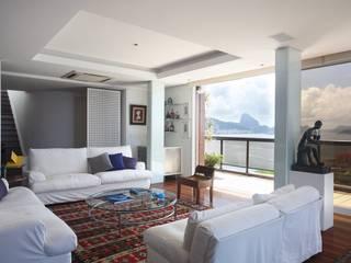Cobertura Arpoador Salas de estar modernas por Ateliê de Arquitetura Moderno