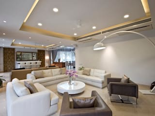 Private Residence, Koregaon Park, Pune:  Living room by Chaney Architects