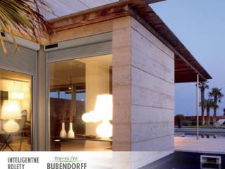 Rolety zewnętrzne solarne - ID2 SOLAR Śródziemnomorskie domy od Inteligentne Rolety Bubendorff Śródziemnomorski