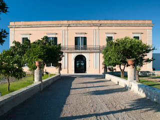 Tenuta Giardini Nuovi: Case in stile  di Tenuta Giardini Nuovi, Mediterraneo