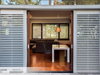Inteligentne rolety zewnętrzne ACTIV'HOME Skandynawskie domy od Inteligentne Rolety Bubendorff Skandynawski