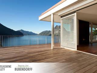 Inteligentne rolety zewnętrzne ACTIV'HOME Skandynawski balkon, taras i weranda od Inteligentne Rolety Bubendorff Skandynawski