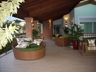 MBDesign Arquitetura & Interiores Country style balcony, veranda & terrace