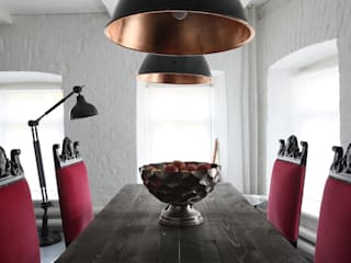 На Неглинной: Столовые комнаты в . Автор – Korneev Design Workshop,