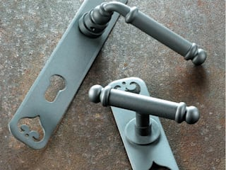 "Traditional Hardware""Lisbon "" Collection"" Galbusera Giancarlo & Giorgio S.n.c. Windows & doors Doorknobs & accessories Iron/Steel"