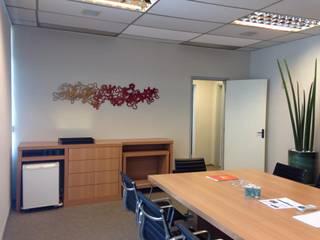 Sala de Reuniões Diretoria - Editora por Maile Lozano Interiores Eclético
