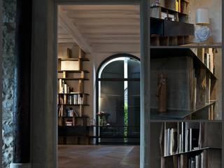Salas de estilo moderno de Falegnameria Campo Eugenio snc Moderno
