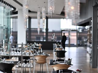 Fjord crystal chandeliers in Wolf Bracka Manooi Gastronomi Modern Transparent