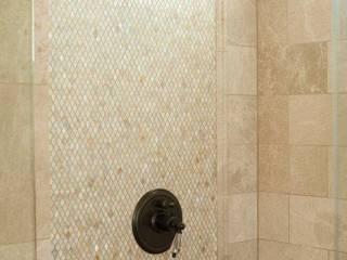 Diamond Freshwater Mother of Pearl Bathroom ShellShock Designs Salle de bain moderne Tuiles Multicolore