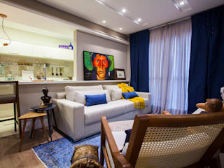 Estúdio HL - Arquitetura e Interiores Eclectic style living room