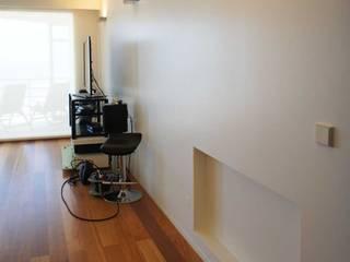 Apartamento T2 - Povoa de Varzim: Salas de estar  por B3C