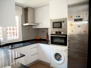 Arquigestiona Reformas S.L. 現代廚房設計點子、靈感&圖片