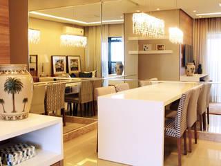 Living : Salas de jantar  por Mally Arquitetura