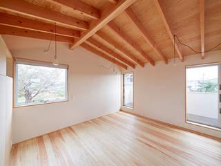 一級建築士事務所co-designstudio Dormitorios de estilo escandinavo