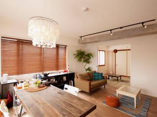 素材感を楽しめるレトロな雰囲気の住まい: 株式会社スタイル工房が手掛けたです。