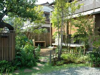 川崎市・F邸: 有限会社イエナランドスケープが手掛けた庭です。,