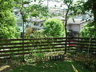 町田市・N邸: 有限会社イエナランドスケープが手掛けた庭です。,