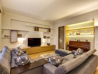 Salas multimedia de estilo  de MOB ARCHITECTS, Moderno