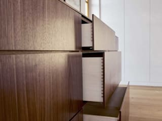 Mensch + Raum Interior Design & Möbel Living roomCupboards & sideboards