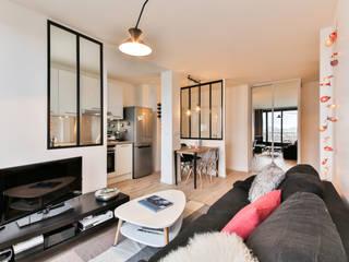 La Decorruptible Living room