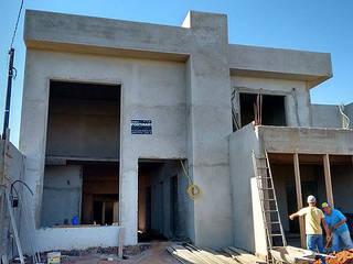 Projeto Residencial e fase de execução. : Casas  por M Home - Arquitetura, Designer de interiores e Engenharia.