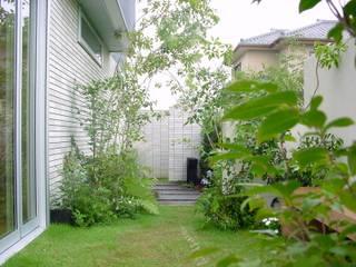 (有)ハートランド Jardines de estilo moderno Verde