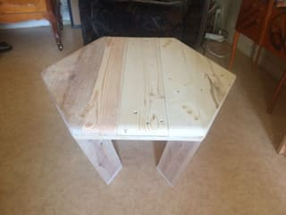 Table ELE brut:  de style  par Florian fauchart designer