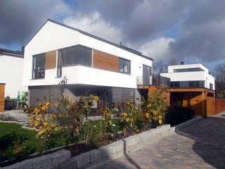 モダンな 家 の lauth : van holst architekten モダン