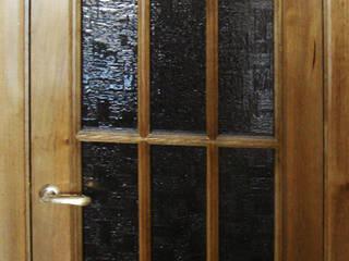 Деревянные двери Окна и двери в классическом стиле от Столярная мастерская Михаила Дибцева Классический