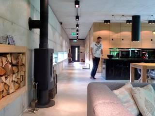 Moderne Wohnzimmer von seweryn pracownia Modern
