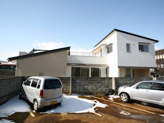 ぬりの辻の家 モダンな 家 の 吉田設計+アトリエアジュール モダン