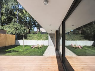 House M Modern garden by Peter Ruge Architekten Modern