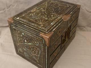 """Cabinet dit """" Namban""""- Japon XVIIème:  de style  par Atelier Morganti"""